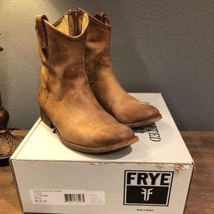 😍 FRYE Melissa Button Short Boots